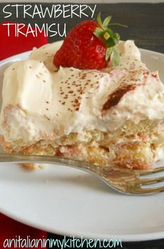 A fast, tasty and amazingly delicious summer dessert, strawberry tiramisu /anitalianinmykitchen.com