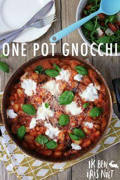 Bedankt voor jegeduld, ik ben eindelijk hier met het langverwachte recept voor de one pot gnocchi! Dit recept is hoe ik het nu een paar keer heb gemaakt, maar mocht je toevallig net andere groenten in huis hebben, dan kan dat natuurlijk ook prima. In mijn ervaring kan dit recept niet snel mislukken. Wordt het …
