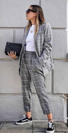 Work Looks, Looks Style, Winter Fashion Outfits, Suit Fashion, Classic Outfits, Chic Outfits, Urban Fashion, Daily Fashion, Look Office