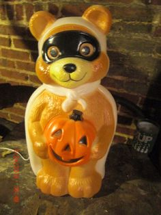 HALLOWEEN BLOWMOLD TEDDY BEAR TRICK or TREATING