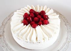 Torta di compleanno French Patisserie, Italian Recipes, Cake Decorating, Cheesecake, Desserts, Food, Cake Ideas, Party, Recipes