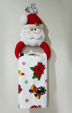 45 Funny and Cute Christmas Decorating Ideas Christmas kitchen; home decor. Christmas Projects, Felt Crafts, Holiday Crafts, Christmas Holidays, Diy And Crafts, Holiday Decor, Christmas Sewing, Handmade Christmas, Vintage Christmas