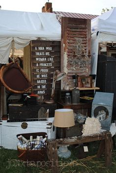 wood tent facade and sign juNxtaposition: country living fair columbus 2012 - part deux Antique Market, Vintage Market, Antique Shops, Old Antiques, Vintage Shops, Antique Mall Booth, Antique Booth Ideas, Market Displays, Booth Displays
