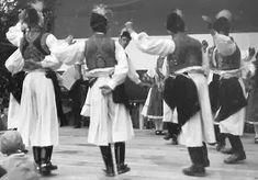 A MAGYAROK TUDÁSA: A TÁNC - A MAGYAR NÉPTÁNCOK Folk Costume, Costumes, Folk Dance, Hungary, Culture, Google, Dress Up Clothes, Fancy Dress, Men's Costumes