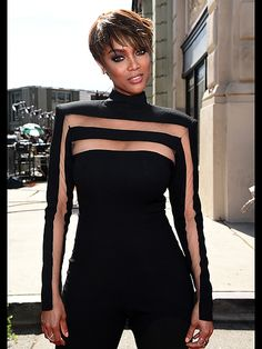 celebritiesofcolor: Tyra Banks attends The Annual Daytime Emmy Awards at Warner Bros. Studios on April 2015 in Burbank, California. BGKI - the website to view fashionable & stylish black girls shopBGKI today Classy Dress, Classy Outfits, Chic Outfits, Fashion Vestidos, Fashion Dresses, Look Fashion, Womens Fashion, Fashion Design, Fashion Trends