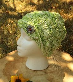 Ladies' Hats || 1920s flapper inspired handknit cloche by KnitaBitofWhimsy on Etsy