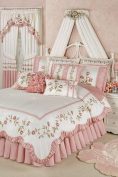 The graceful Blush Rose Floral Comforter Bedding will unfurl elegant blush pink petals in your bedroom. Oversized comforter has a polyester faux silk face. Rose Comforter, Floral Comforter, Comforter Sets, Linen Bedding, Bed Linens, Gray Bedding, Neutral Bedding, Bedding Decor, Boho Bedding