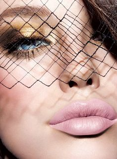 Golden eyes + matte light pink lips