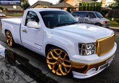 Would look so cool lifted but still pretty nice (meu favorito) Customised Trucks, Custom Chevy Trucks, Chevy Pickup Trucks, Chevy Pickups, Chevrolet Trucks, Custom Cars, Chevy 4x4, Lifted Chevy, Mini Trucks