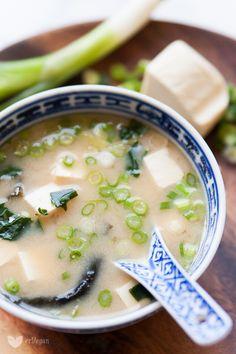 Zupa miso - idealna na przeziębienie!