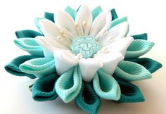 Kanzashi fabric flower hair clip white and mint. by JuLVa on Etsy, $11.50 Cloth Flowers, Diy Flowers, Flowers In Hair, Fabric Flowers, Vintage Flowers, Purple Fabric, Ribbon Art, Ribbon Crafts, Flower Crafts