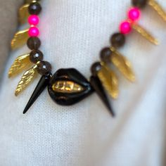 Feather Black Mouth and Pearls Necklace