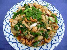 Een heerlijk licht en slank Thais wokgerecht met paksoi. Gezond en lekker kan dus ook heel goed samengaan. Voeg de fijngesneden paksoi en de lente ui pas op...