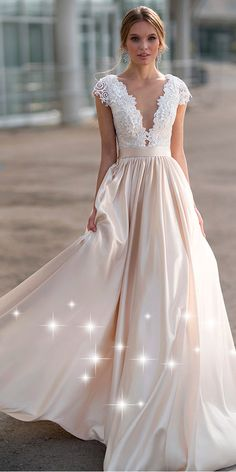 NEW! Gorgeous Tulle & Satin Bateau Neckline A-line Wedding Dress With Lace Appliques & 3D Flowers & Beadings