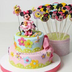 Mickey And Minnie Cake, Bolo Minnie, Minnie Mouse Cake, Cupcakes, Cake Cookies, Cupcake Cakes, Mini Tortillas, Disney Cakes, Culinary Arts
