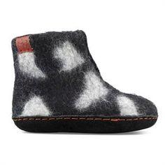 Sort filtstøvle med smart lyst mønster fra Green Comfort