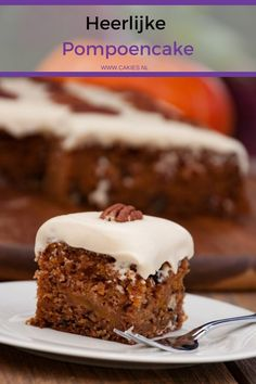 Pumpkin Cake is made with grated pumpkin, apples, pecans with a brown sugar and cream cheese frosting. A pumpkin version of carrot cake. Pumpkin Cake Recipes, Dessert Cake Recipes, Best Cake Recipes, Köstliche Desserts, Delicious Desserts, Pumpkin Cakes, Favorite Recipes, Pastry Recipes, Baking Recipes