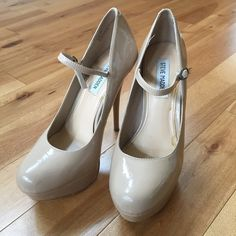 Nude patent leather pumps Good condition, some slight signs of wear as pictured.  Your purchase supports my fundraising efforts for 60 mile breast cancer walk. Steve Madden Shoes Heels