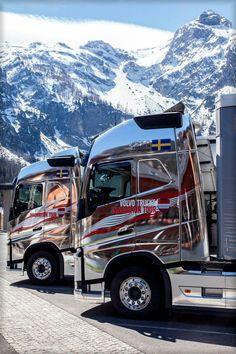 Volvo cabover Volvo Cars, Volvo Trucks, Chevy Trucks, Train Truck, Road Train, Customised Trucks, Custom Trucks, Semi Trucks, Big Trucks