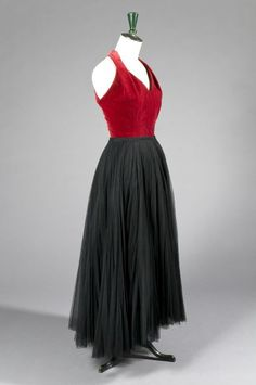 Christian DIOR Haute Couture n° 77987 (collection A/H 1955), ANONYME circa 1950