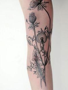 Des tatouages de fleurs vus sur Pinterest Tatouage fleurs pissenlits
