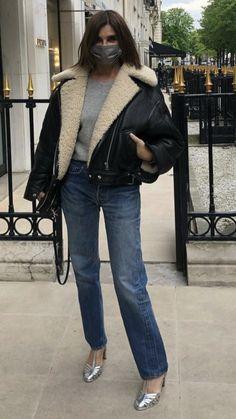 Carine Roitfeld, Sheepskin Coat, Winter Outfits, Chic, Style, Fashion, Shabby Chic, Swag, Moda