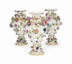 THREE MEISSEN FLOWER-ENCRUSTED VASES  MID-19TH CENTURY, BLUE CROSSED SWORDS MARKS