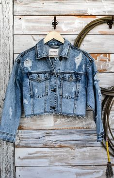 The Weston - Cropped Distressed Denim Jacket — Sapphires & Sagebrush Mercantile Light Wash Denim Jacket, Cropped Denim Jacket, Fall Fashion Trends, Business Attire, Boho Outfits, Types Of Fashion Styles, Work Wear, Street Style, Distressed Denim Jackets