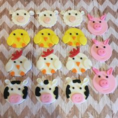 12 Fondant barnyard animal cupcake toppers by SweetCakeArts
