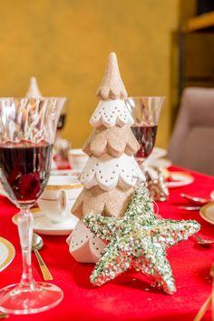 Amenajează-ți masa cu cele mai trendy decorațiuni de la Nobila Casa! Crăciunul este mai frumos când ai parte de un decor de sărbătoare! Mai, Holiday Decor, How To Make, Home Decor, Decoration Home, Room Decor, Home Interior Design, Home Decoration, Interior Design
