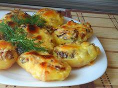 Baked potatoes with mushrooms Cheesy Recipes, Potato Recipes, Pork Recipes, Vegetarian Recipes, Cooking Recipes, Hungarian Recipes, Russian Recipes, Musaka, European Cuisine