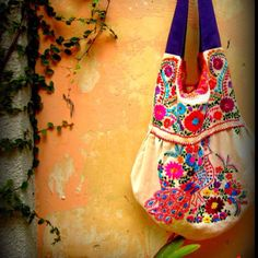 Hobo Style Mexican Embroidered Handbag by EricaMaree on Etsy Mexican Embroidered Dress, Mexican Embroidery, Embroidered Bag, Embroidered Dresses, Hand Embroidery, My Bags, Purses And Bags, Hobo Style, My Style