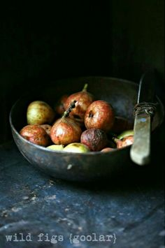 Foraging times... Wild figs {goolar} in season now  #foraging #foodphotography…