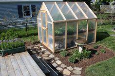 Bepa de la Garden: construction d'une serre