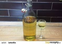 Domácí becherovka recept - TopRecepty.cz Kraut, Hot Sauce Bottles, Smoothies, Drinking, Champagne, Beverages, Food And Drink, Favorite Recipes, Homemade