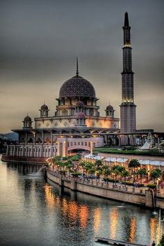The National Mosque of Malaysia is located in Kuala Lumpur. It has a capacity of 15,000 people and is situated among 13 acres (53,000 sq m) of beautiful gardens.