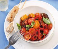 Íme a legegészségesebb fogyókúra: mediterrán diéta - 9 isteni receptötlettel! | Mindmegette.hu Caprese Salad, Spaghetti, Ethnic Recipes, Food, Essen, Meals, Yemek, Noodle, Insalata Caprese