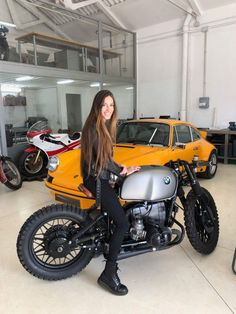 Sunday is a great day to go for a ride : theCHIVE Bmw Cafe Racer, Moto Cafe, Cafe Racer Girl, Motos Bmw, Bmw Motorcycles, Bmw Boxer, Cafe Racer Motorcycle, Motorcycle Outfit, Lady Biker