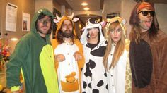 catherine popper ‏@dookiefinger   From the archives: GPN 2010 halloween show at the DC zoo ::moos::