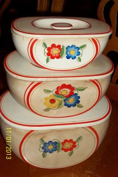 Fantastic!    /////// Vintage canisters
