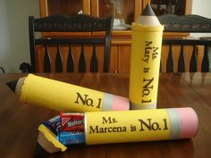 What a cute teacher appreciation gift idea!  Made from a Pringles can.  Directions on her blog.