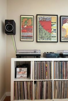 How to Incorporate a Record Player Into Your Interior Mid Century Modern Side Table, Home Music Rooms, Vinyl Room, Vinyl Storage, One Bedroom Apartment, Apartment Layout, Apartment Living, My New Room, House Tours