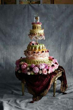 Luxury cake decor