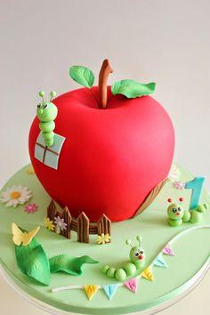 Kiara`s cakes: Tarta decorada con forma de manzana