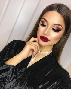 Gorgeous Makeup: Tips and Tricks With Eye Makeup and Eyeshadow – Makeup Design Ideas Glam Makeup, Red Lipstick Makeup, Eyeshadow Makeup, Makeup Tips, Hair Makeup, Makeup Ideas, Liquid Lipstick, Makeup Goals, Red Lipsticks
