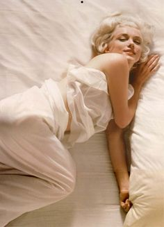 Marilyn Monroe by Douglas Kirkland, 1961 (MM) http://dunway.us