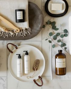 Fun DIY Bathroom Décor Ideas You Need to Try Right Now bathrooms Need some hip DIY ideas for your bathroom? Are you jaded of your bathroom being dull and lifeless? I bet you do. So, what can you do to your bathroom . Diy Bathroom Decor, Bedroom Decor, Spa Like Bathroom, Pop Up Shops, Girl Names, Leather Handle, Spring Cleaning, Tray, Skin Care