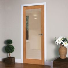 Oak internal doors, the Jb kind Montana Fuji oak door has clear safety glass as standard, it really is a very pretty door. #contemporarydoor #internalmoderndoor #internalcontemporarydoor