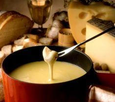 Fondue serowe - Przepisy. Fondue serowe to przepis, którego autorem jest: Magda Gessler