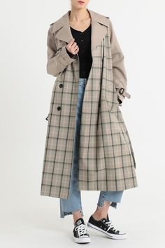Check trench Couture Coats, Autumn Fashion 2018, Vintage Couture, Coat Dress, Hijab Fashion, Coats For Women, Fall Outfits, Jackets, Clothes